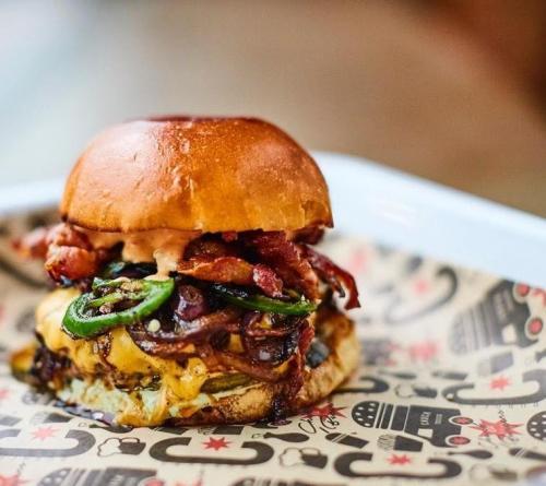 Chuck Burger Bar